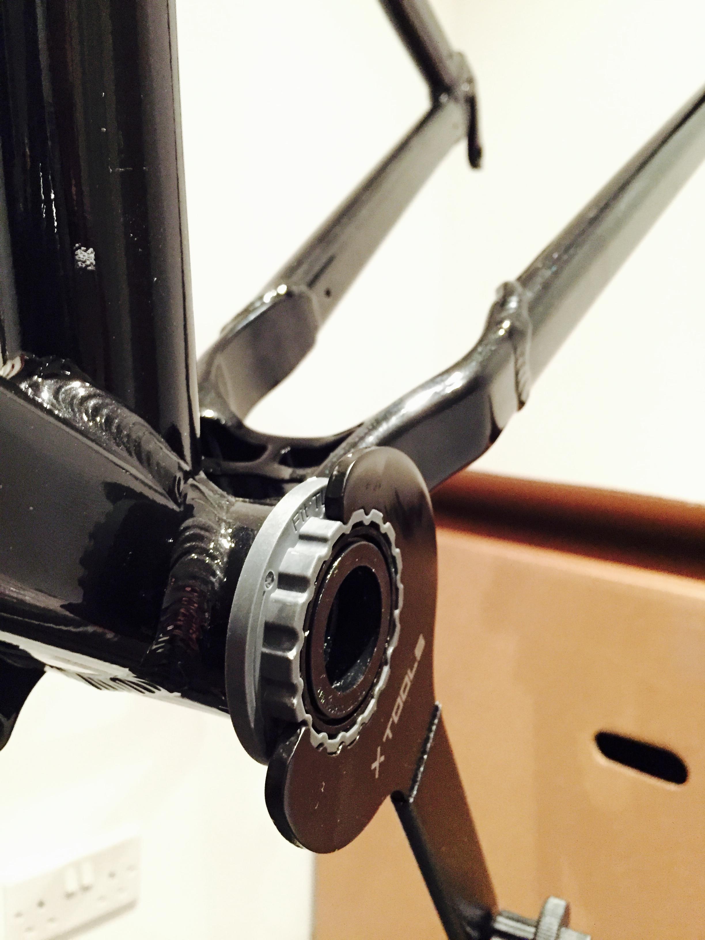 Fitting the bottom bracket